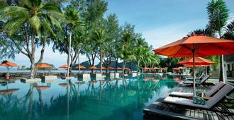唐君鲁度假村 - 兰卡威 - 游泳池