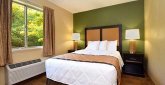 阿灵顿六旗长住公寓式酒店 - 阿林顿 - 睡房