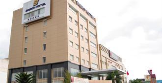 巴斯科高级酒店 - 巴东 - 巴东