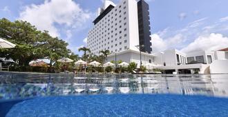 八重山日航酒店 - 石垣市 - 游泳池