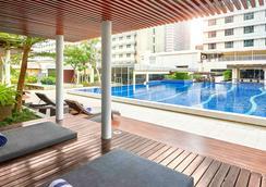 铂尔曼印尼雅加达酒店 - 雅加达 - 游泳池