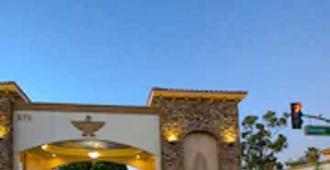 雷鸟旅舍酒店 - 里弗赛德 - 建筑