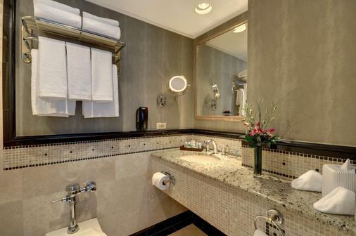 白厅大酒店 - 芝加哥 - 浴室