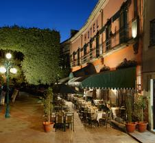 波萨达圣达菲旅馆