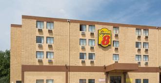 科罗拉多斯普林斯-众神花园速8酒店 - 科罗拉多斯普林斯 - 建筑