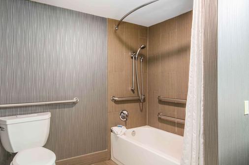 市中心国会大厦酒店阿桑德连锁酒店 - 纳什维尔 - 浴室