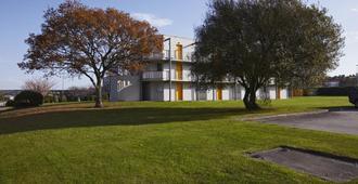 普瑞米尔希尔伯格图尔拉维拉经典酒店 - 瑟堡 - 建筑