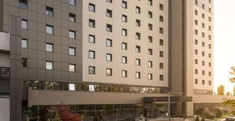 布加勒斯特会议中心温德姆华美达广场酒店 - 布加勒斯特