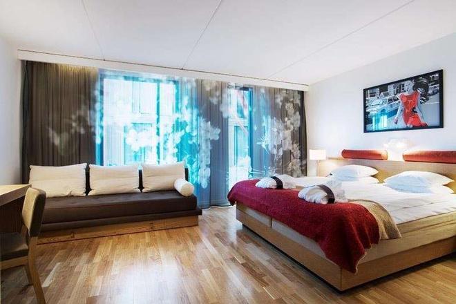 G第一酒店 - 哥德堡 - 睡房
