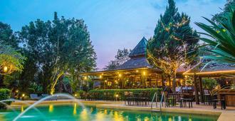 拜县美丽别墅度假酒店 - 拜县 - 游泳池