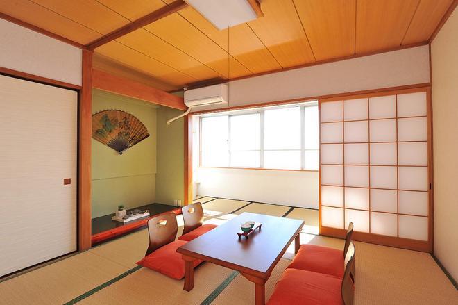 阳之笑温泉青年旅馆 - 热海市 - 餐厅