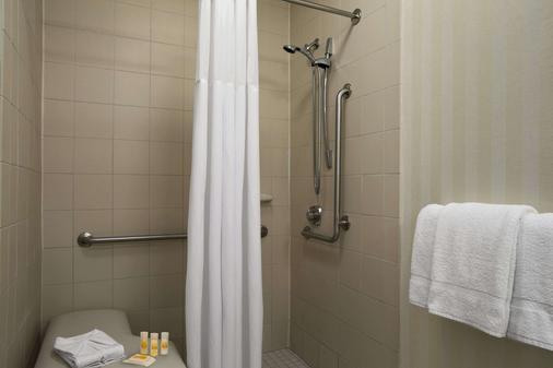 查塔努加/汉密尔顿广场戴斯酒店 - 查塔努加 - 浴室