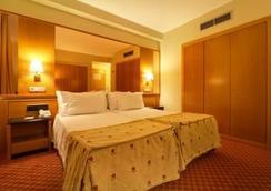 萨拉曼卡丝绸罗娜达尔巴酒店 - 萨拉曼卡 - 睡房