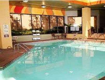 亚特兰大机场华美达广场酒店 - 亚特兰大 - 游泳池