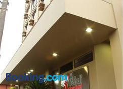 Hotel Kehdi Plaza - 巴雷图斯 - 建筑