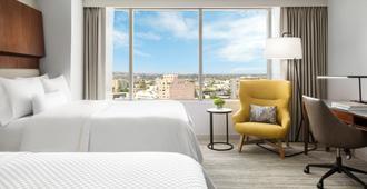 威斯汀长滩酒店 - 长滩 - 睡房