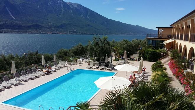 梅塞德斯酒店 - 加达 - 游泳池