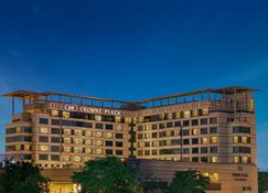 今日古尔冈皇冠假日酒店 - 古尔冈 - 建筑