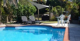 凯里凯里殖民别墅汽车旅馆 - 凯里凯里 - 游泳池