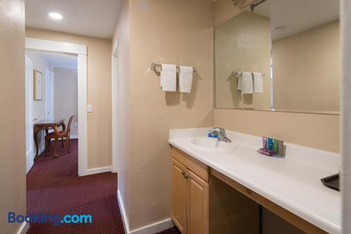 蝴蝶格罗夫旅馆 - 太平洋丛林 - 浴室