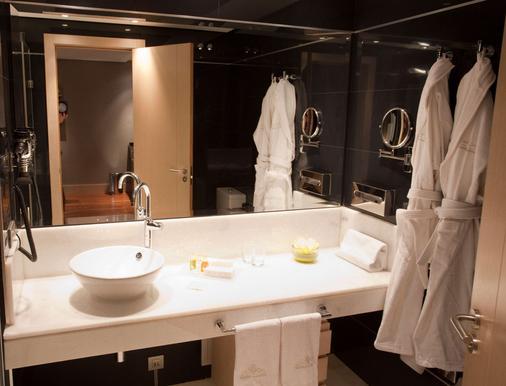 奈克萨斯巴利亚多利德套房酒店 - 巴利亚多利德 - 浴室