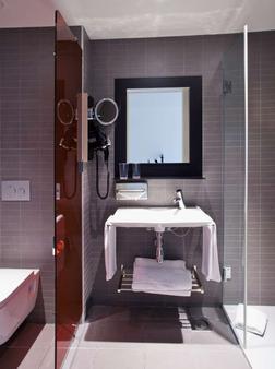 文奇比酒店 - 巴塞罗那 - 浴室
