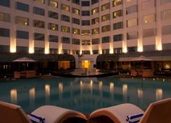 兰契丽笙酒店 - 兰契 - 游泳池
