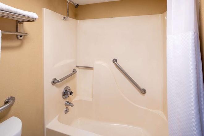 图珀洛戴斯酒店 - 图珀洛 - 浴室
