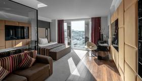 十一镜设计酒店 - 基辅 - 睡房