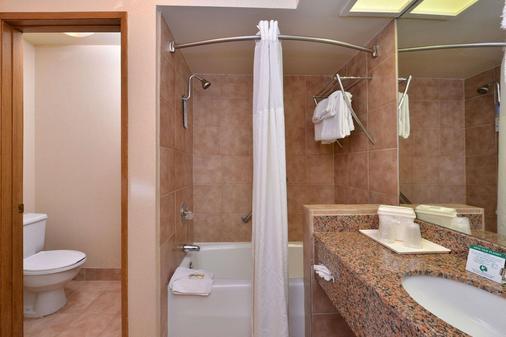 印第奥I-10品质套房酒店 - 印地欧 - 浴室