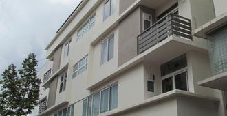 伊克索拉套房酒店 - 班加罗尔 - 建筑
