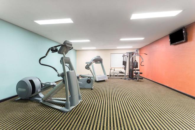阿瑟港贝蒙特套房酒店 - 阿瑟港(德克萨斯州) - 健身房