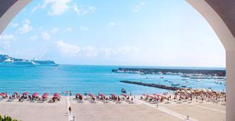史波堤拜亚酒店 - 贾迪尼-纳克索斯 - 海滩