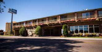 最佳西方流木酒店 - 爱达荷福尔斯