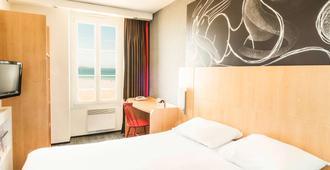 圣马洛海滨宜必思酒店 - 圣马洛 - 睡房