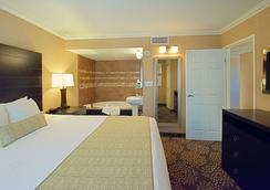 贝斯特韦斯特尤玛购物中心套房酒店 - 优马 - 睡房