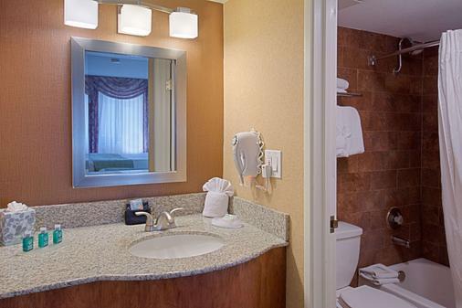 贝斯特韦斯特尤玛购物中心套房酒店 - 优马 - 浴室