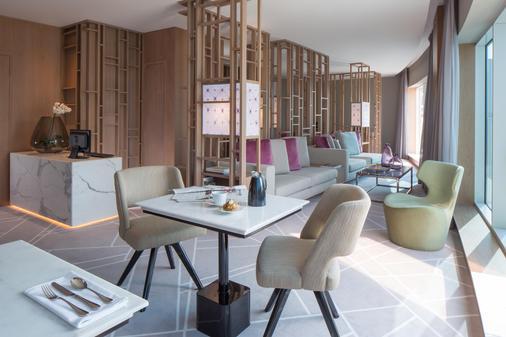 迪拜杜斯特D2肯兹酒店 - 迪拜 - 餐厅