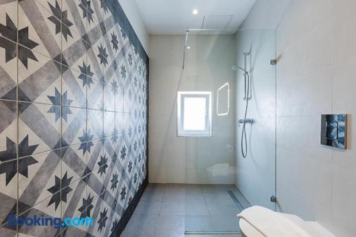 双枕精品旅舍 - 斯利马 - 浴室