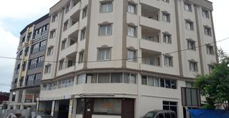 桑里套房公寓酒店 - 特拉布宗