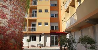 朱斯蒂6住宅酒店 - 米兰 - 建筑