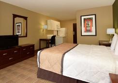 芝加哥伍德菲尔德商城长住美国酒店 - 绍姆堡 - 睡房