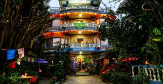 银橡树酒店 - 博卡拉 - 建筑