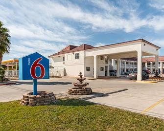得克萨斯北部圣马可 6 号汽车旅馆 - 圣马科斯 - 建筑