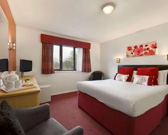 戴斯格雷特纳格林酒店 - 格雷纳 - 睡房