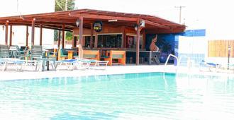 弗洛拉公寓酒店 - 圣纳帕 - 游泳池