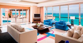 珊瑚海滩美洲嘉年华度假酒店 - 坎昆 - 客厅