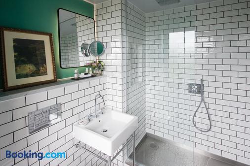 阿翁乔治凡酒店 - 布里斯托 - 浴室