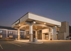 威斯康星拉克罗瑟乡村套房丽笙旅馆 - 拉克罗斯 - 建筑