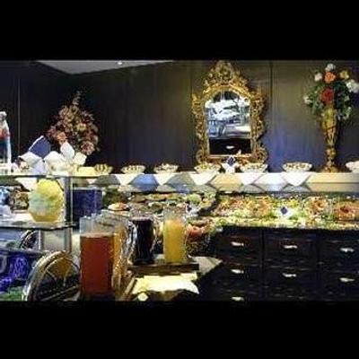 安比昂斯瑞沃里酒店 - 慕尼黑 - 自助餐
